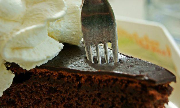 Torta Sacher, quando la marmellata incontra il cioccolato