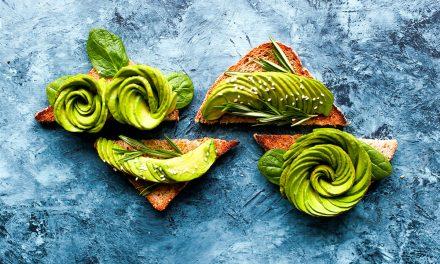 Bruschetta con avocado, tre ricette originali e sfiziose